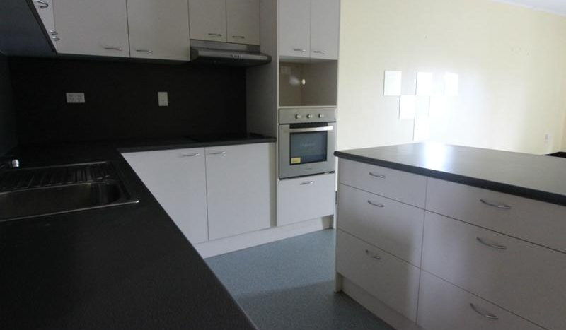 Two Bedrooms Open Plan Living Unit (2)