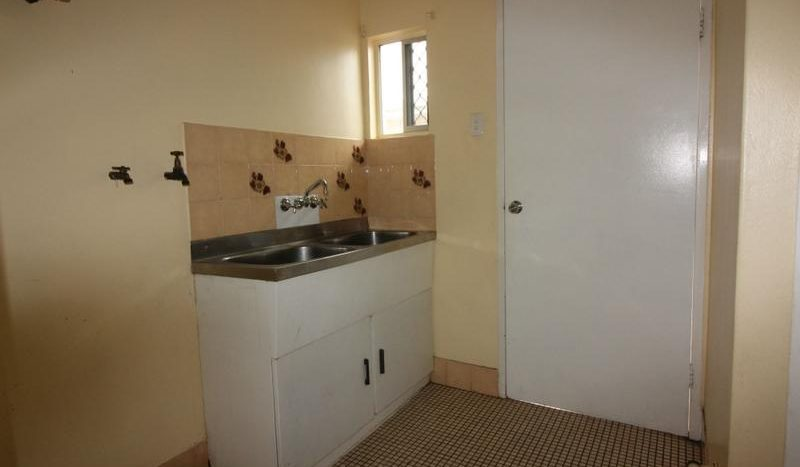 Two Bedrooms Open Plan Living Unit (3)